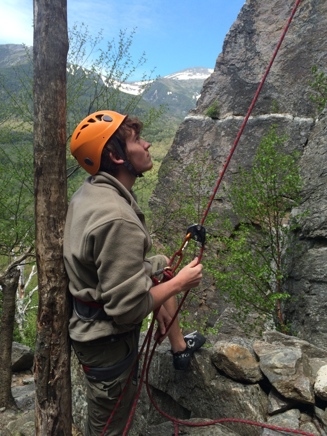 Attentive belaying