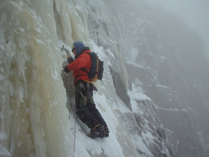 ice climbing cannon cliff new hampshire