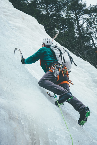 ice climbing Cathedral Ledge