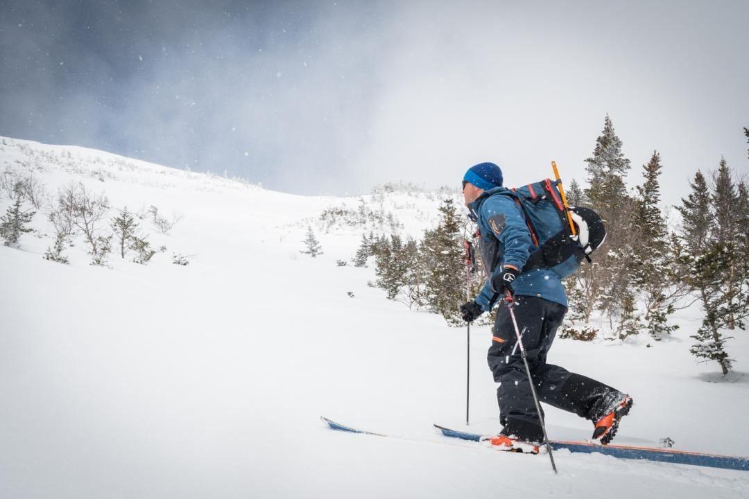 skiing Tuckerman Ravine